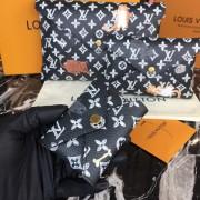 Louis Vuitton M67447 Pochette Kirigami