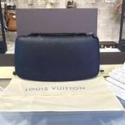 Louis Vuitton M30652-taiga-black