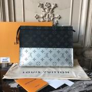 Louis Vuitton M63039 Pochette Voyage MM Monogram
