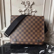 Louis Vuitton N41031 District PM Damier Ebene