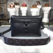 Louis Vuitton M52176 DISCOVERY MESSENGER PM Dark Infinity Leather