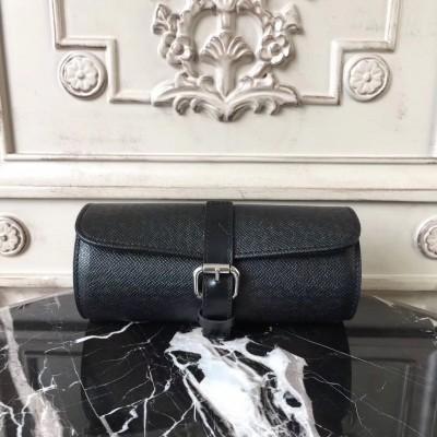 Louis Vuitton M32719 3 Watch Case Taiga
